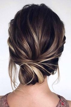 Pretty Mermaid-Esque Updo - 50 Half Up Half Down Hairstyles for Everyday and Party Looks - The Trending Hairstyle Wedding Guest Updo, Easy Wedding Guest Hairstyles, Wedding Hair Side, Prom Hairstyles For Short Hair, Short Hair Updo, Braided Hairstyles Updo, Down Hairstyles, Curly Hair Styles, Wedding Makeup
