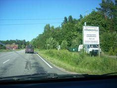 Juhannuksen paluuliikenne 2011 Nauvossa. Jonon jatkeeksi päästiin n. 4 km lauttarannasta.