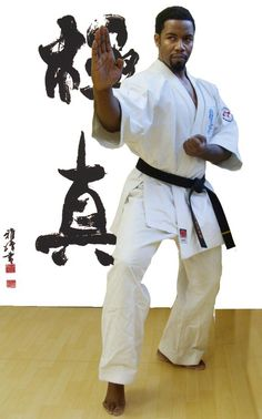 Michael Jai White....love him like this. Karate Hottie crushing the less cause he's the BEST!