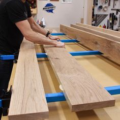 Bathroom Ideas Discover Making a Tabletop the Right Way! Learn how to glue up a large tabletop the right way! I built this white oak dining table tabletop to avoid warping and alignment issues. There are a few tips that will help you be successful! Woodworking Techniques, Woodworking Projects Diy, Diy Wood Projects, Furniture Projects, Woodworking Plans, Diy Furniture, Youtube Woodworking, Woodworking Store, Make A Table