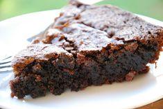 Simple Skillet Brownies (Grain & Dairy Free) - Life Made Full Gluten Free Treats, Paleo Treats, Gluten Free Desserts, Delicious Desserts, Paleo Cookies, Keto Desserts, Yummy Treats, Dairy Free Brownies, Paleo Brownies