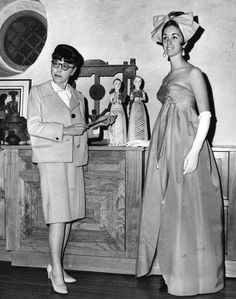 1967 Edith and model Orry Kelly, Grace Kelly, Vintage Hollywood, In Hollywood, Edith Head, Hollywood Costume, Roman Holiday, Charity Event, Female Stars