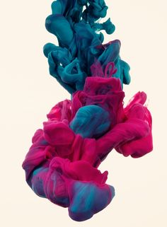 Italian artist Alberto Seveso was born in Milan, but is now working as a freelancer in Portoscuso, Sardinia-Italy. In his series a due Colori Seveso experiments with high-speed photography while tr…