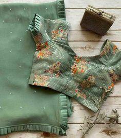 Netted Blouse Designs, Cotton Saree Blouse Designs, Simple Blouse Designs, Stylish Blouse Design, Bridal Blouse Designs, Design Of Blouse, Pattern Blouses For Sarees, Saree Designs Party Wear, Saree Blouse Patterns