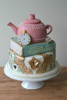 geburtstagstorte kinder mädchen alice in wonderland - Happy Birthday - Gateau Pretty Cakes, Cute Cakes, Beautiful Cakes, Amazing Cakes, Alice In Wonderland Cakes, Alice In Wonderland Birthday, Mad Hatter Cake, Disney Cakes, Fancy Cakes