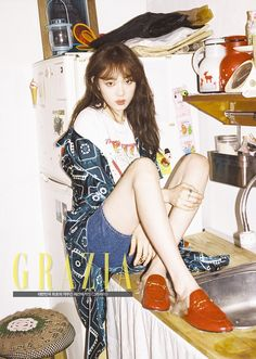 Model Lee Sung Kyung is coy and sexy at the same time for 'Grazia'! For the pictorial, Lee Sung Kyung wore bohemian inspired looks: a pattern… Lee Sung Kyung, Poses, Korean Girl, Asian Girl, Weightlifting Fairy Kim Bok Joo, Korean Actresses, Korean Celebrities, Korean Model, Ulzzang Girl