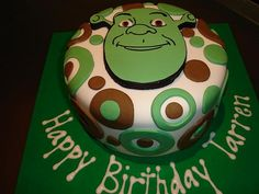 I love me some shrek 25th Birthday Cakes, Boy Birthday Parties, Birthday Fun, Birthday Ideas, Fondant Cakes, Cupcake Cakes, Shrek Cake, Italian Cake, Birthday Cakes