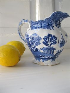 Vintage Pitcher Blue Willow Allerton's English Serving from Tessiemay.