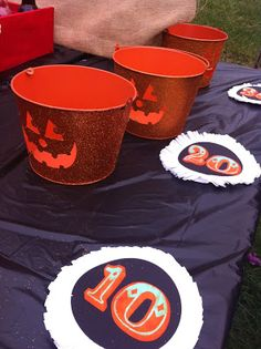 Easy Halloween Ball Toss Carnival Game made with Tin Buckets and Point signs created with my @Cricut  | Cupcake Wishes & Birthday Dreams| Halloween Carnival | #13DOHH2015
