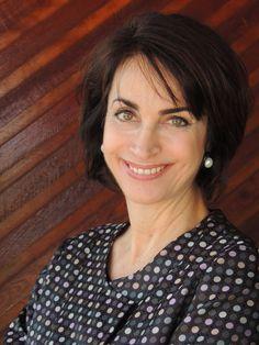 Claudia Matarazzo, jornalista, escritora, consultora de etiqueta, moda e comportamento, palestrante e Professora do MBA Gestão de Eventos e Cerimoniais de Luxo da Roberto Miranda Educação Corporativa