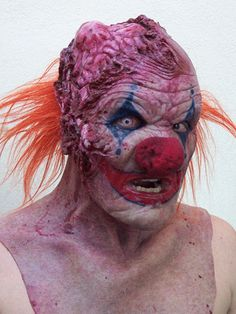 dark and disturbing gifs | the most Evil Clown in the history of film up there, let's talk ...