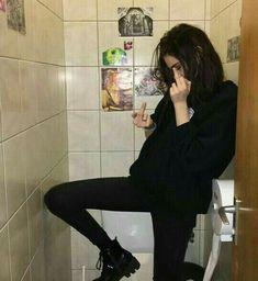 Goth style 837739968159996776 - Source by peachmilkiiis Estilo Grunge, Aesthetic Grunge, Aesthetic Girl, Parejas Goals Tumblr, Photos Tumblr, Sad Girl, Tumblr Girls, Punk Fashion, Ulzzang Girl