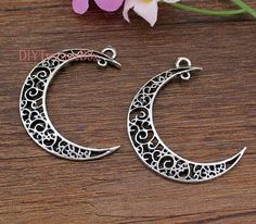10PCS-Moon charms,Antique Tibetan Silver moon Pendants/charms 39x33mm