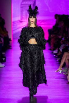 Anna Sui Fall 2020 Ready-to-Wear Fashion Show - Vogue Anna Sui, Fashion 2020, Runway Fashion, Fashion News, Fashion Trends, Vogue, Kids Coats, Models, Fashion Show Collection
