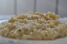 Risotto al parmesano Varomeando con Thermomix Italian Risotto Recipe, Pasta Thermomix, Arroz Risotto, Mushroom Risotto, Food Challenge, Kitchen Recipes, Rice Recipes, Italian Recipes, Macaroni And Cheese