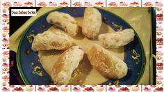 Ingrédients : Pour la pâte : 150 gr de farine 1 pincée de sel 1 càc de jus de citron 3 gr de beurre mou 7, 5 cl d'eau Pour la farce : 250 gr d'amandes en poudre 100 gr de sucre 7 gr de beurre fondu 1 càs de jus de citron 100 gr de pépites de chocolat...