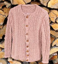 Ruth aran cardigan (Ethnic Knitting Adventures): Knitty Winter 2012 I found my aran! Aran Knitting Patterns, Cable Knitting, Knit Patterns, Clothing Patterns, Hand Knitting, Knit Dishcloth, Knitting Magazine, Cardigan Pattern, Knit Or Crochet