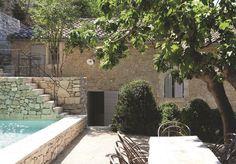 Maison provencale moderne rénovée - CôtéMaison.fr