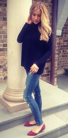 Kristin Cavallari in her Cadence flats at Chinese Laundry. Student discount available too! http://www.studentrate.com/itp/get-itp-student-deals/Chinese-Laundry-Student-Discounts--/0