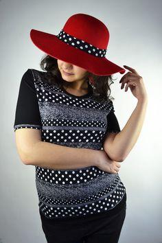 T-Shirts mit Print - Shirt Punkte schwarz - ein Designerstück von JAQUEEN-handmade-streetwear-berlin bei DaWanda