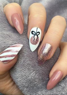 25 Bright and Awesome CHRISTMAS NAILS Art Design and Polish Ideas for 2019 Part christmas nails; christmas nails gel nails 25 Bright and Awesome CHRISTMAS NAILS Art Design and Polish Ideas for 2019 Part 24 Cute Christmas Nails, Christmas Nail Art Designs, Holiday Nails, Christmas Design, Xmas Nail Art, Diy Xmas Nails, New Year Nail Art, Christmas Holiday, Christmas Acrylic Nails