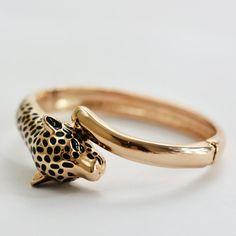 Bracelet en alliage plaqué or par Xusflu sur Etsy Gold Rings, Vintage, Bracelets, Etsy, Jewelry, Handmade Gifts, Unique Jewelry, Handmade, Hands