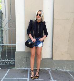 "Natana Marques de Leon no Instagram: ""Outfit ✔️ #natanausa #ootd #lookoftheday #jeans #basic #comfy #ilovecarrano #saturday"""