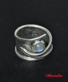 Check out this item in my Etsy shop https://www.etsy.com/uk/listing/498691333/moonstone-adjustable-ring