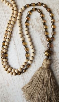 Mala necklace tassel brass beige cream bohemian picasso glass beads natural wood beads vintage silk white Kette 108 Perlen Yoga Seidenquaste gold beige Böhmische Glasperlen Malakette