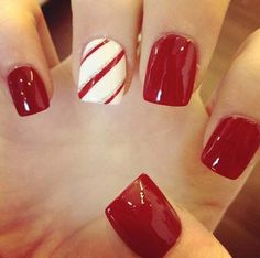 """O vermelho é sinônimo de unhas maravilhosas e juntando com um detalhe básico na """"filha única"""", o resultado ficou perfeito!!! Os melhores produtos para suas unhas, você encontra em: www.lojadeesmaltes.com.br"""