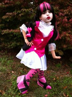 Arielu0027s Halloween costume (Draculaura from Monster ... & 9812 best Monster High Party. images on Pinterest | Monster high ...
