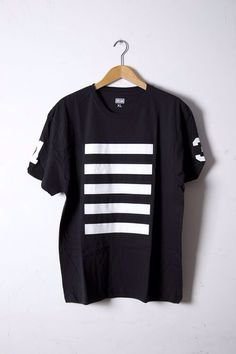 [Top - T-shirt - Black - White vertical lines - All seasons]