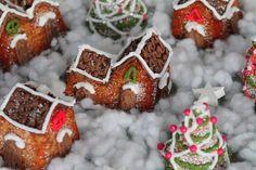 Mein kleines veganes Weihnachtsdorf Gingerbread Cookies, Dog Food Recipes, Xmas, Sugar, Desserts, Food, Vegan Pie, Pies, Christmas