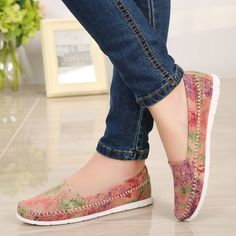 Aliexpress.com : Buy 2015 New Coming Summer Style Women Summer Flat Shoes Womens Shoes  Floral Printing Casual Slip On Mocassin Boat Shoes from Reliable shoes shower suppliers on Alabata  Fashion