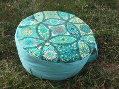 Meditační sedák plněný pohankovými slupkami zelená mandala + dárek Pilates, Bean Bag Chair, Furniture, Pop Pilates, Bean Bag Chairs, Bean Bags, Arredamento, Beanbag Chair, Pilates Workout