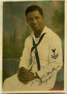 Probably Navy Musician Vintage Sailor, Vintage Men, Vintage Black, Coastal Quilts, Vintage Photo Booths, American Photo, Handsome Black Men, Black History Facts, Military Photos