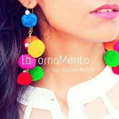Handmade pompom earings Macrame Jewelry, Fabric Jewelry, Diy Jewelry, Handmade Jewelry, Jewelry Design, Jewelry Making, Pompom Necklace, Diy Earrings, Diy Collares