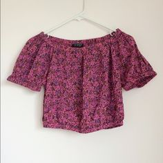 Topshop Off The Shoulder Crop Top Floral print off the shoulder crop top. Size 8. Would be great for a S as well. Elastic along neckline, bottom and sleeves. Great condition, like new. Topshop Tops Crop Tops