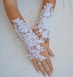 FREE SHIPPIN Wedding Glove, white lace gloves, Fingerless Glove, UNIQUE Bridal glove, wedding bride, bridal gloves, stony gloves