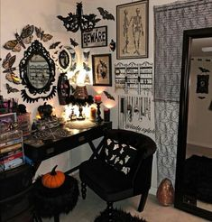 Gothic Room, Gothic House, Emo Room, Halloween Bedroom, Horror Decor, Goth Home Decor, Gothic Furniture, Vanity Room, Spooky Decor