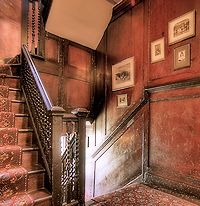 Saircase of Carlyle's House, Chelsea, London - such beautiful Victorian architecture and interior design :)