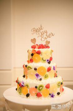Fruit Wedding Cake, Floral Wedding Cakes, Wedding Cake Designs, Bride And Groom Cake Toppers, Colorful Fruit, Cake Decorating, Birthday Cake, Tasty, Sweets