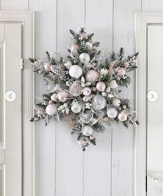 Christmas star for the door Gold Christmas, Rustic Christmas, Christmas Home, Handmade Christmas, Christmas Ornaments, Christmas Christmas, Deco Floral, Holiday Wreaths, Christmas Inspiration