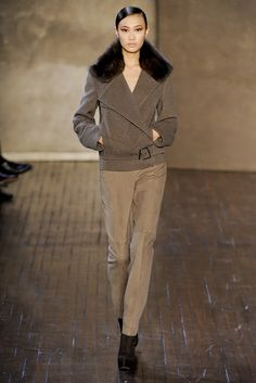 Akris Fall 2011 Ready-to-Wear Fashion Show - Shu Pei Qin