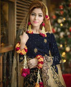 The latest wedding dresses at Bridal Fashion Week – My hair and beauty Pakistani Bridal Makeup, Bridal Mehndi Dresses, Pakistani Wedding Outfits, Bridal Dress Design, Bridal Outfits, Bridal Lehenga, Indian Bridal, Bridal Style, Pakistani Mehndi Dress