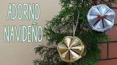 Adorno navideño hecho con tubos de papel higiénico - Candy Bu