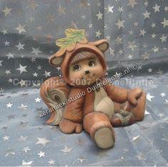 Eekhoorn-kindje deze worden apart verkocht en er zijn 3 verschillende versies. Hier zijn ook verschillende uitvoeringen van zoals (konijntjes, beien, lieveheersbeestjes)