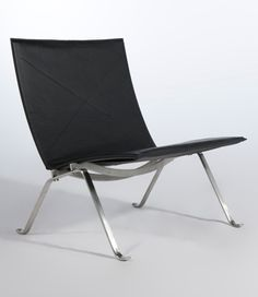 Kjaerholm PK22 Chair