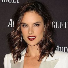 """""""@AlessandraAmbrosio turned up the glamour last night with shiny waves, shimmery eyes and glossy burgundy lips. #TodaysBeautySecret"""""""