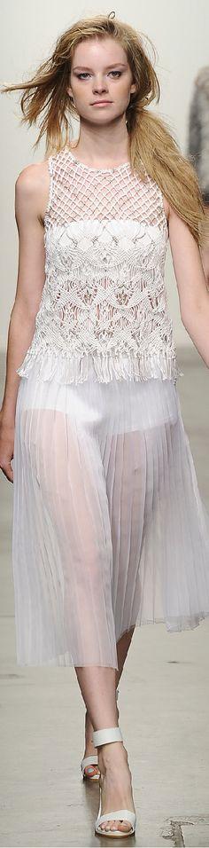 Spring 2015 Ready-to-Wear Tess Giberson